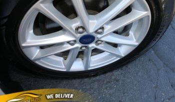 2016 Ford Focus 4d Sedan SE full