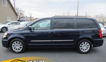 2014 Chrysler Town & Country 4d Wagon Touring full