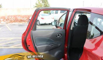 2017 Nissan Versa Note 4d Hatchback SV full